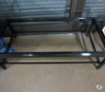 Photos Vivastreet Table de salon en verre - encadrement laqué noir