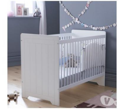 Photos Vivastreet Lit bébé barreaux blanc 60x120 Zélie