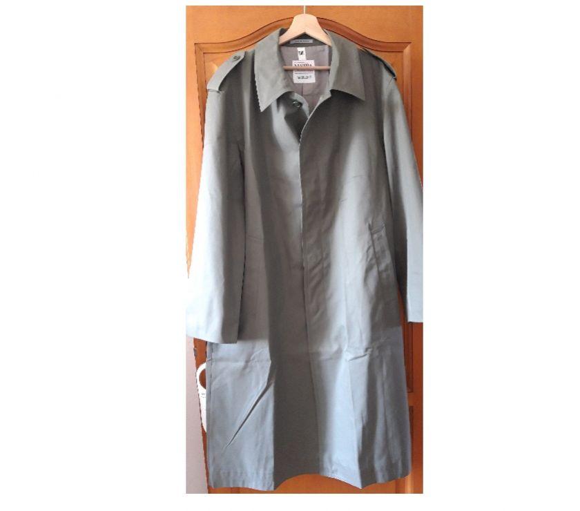 Vêtements occasion Alpes-Maritimes Antibes - 06600 - Photos Vivastreet manteau
