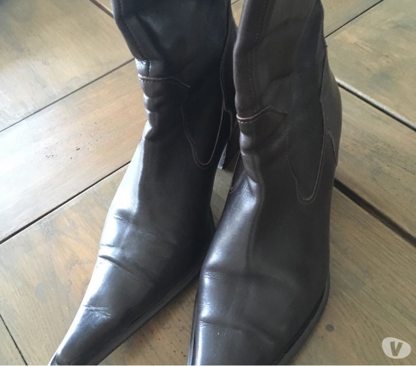 Photos Vivastreet Boots hautes cuir marron neuves