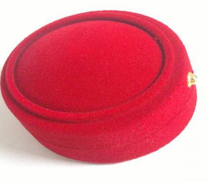 Photos Vivastreet Écrin pour bijoux ovale en velour rouge