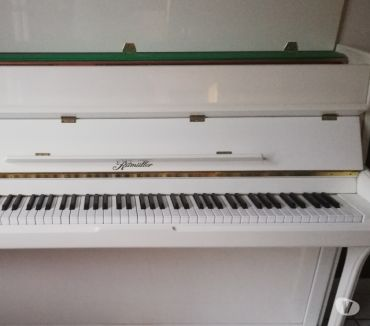 Photos Vivastreet vends piano d'étude