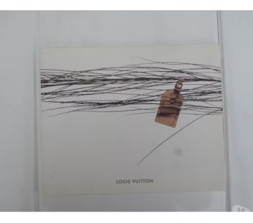 Photos Vivastreet Livre Louis Vuitton catalogue 2005