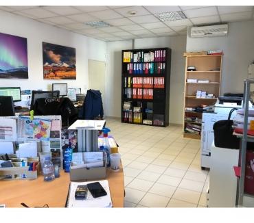 Photos Vivastreet Local 60 m² + local 20 m² avec Sas d'entrée privé
