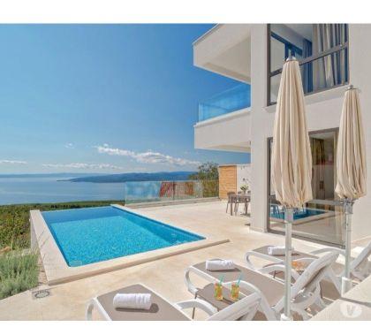 Photos Vivastreet Split, Bask Voda, Villa avec piscine privée pour 10 pers.