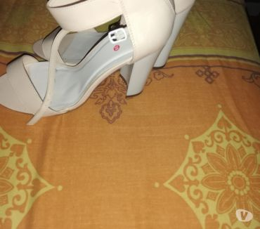 Photos Vivastreet Chaussures ouvertes à talon