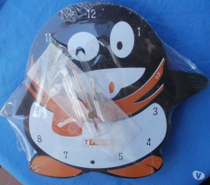 Photos Vivastreet PENDULE en forme de pingouin, neuve