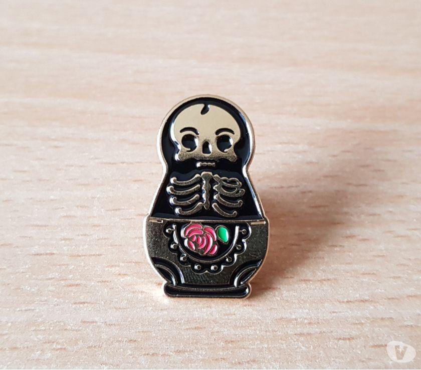 Photos Vivastreet broche badge pins pin's matriochka tête de mort squelette