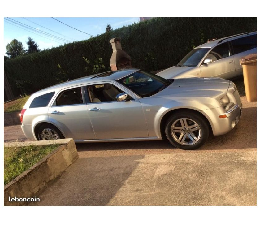 Photos Vivastreet Pièces de Chrysler 300C touring 3l CRD