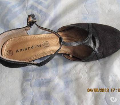 Photos Vivastreet Escarpins sandales a talon cuir et daim noir t39