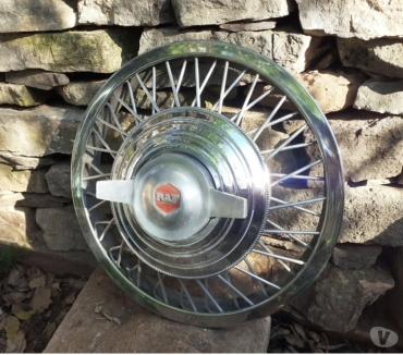 Photos Vivastreet enjoliveur roue fil RAF 13 pouces av écrou papillon central