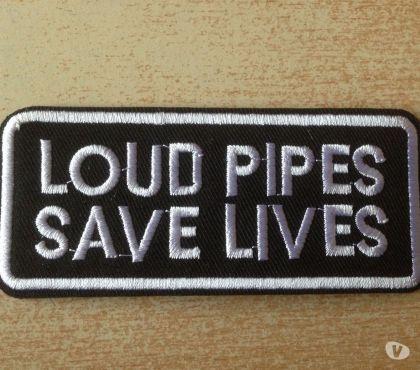 Photos Vivastreet Ecusson harley loud pipes save lives 10x4,5 cm