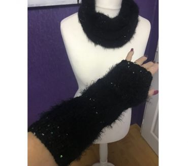 Photos Vivastreet Ensemble Snood et mitaines angora et paillettes