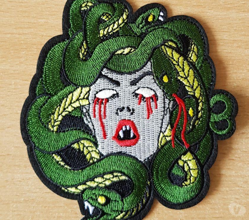 Photos Vivastreet ecusson brodé tête de gorgone méduse femme serpent