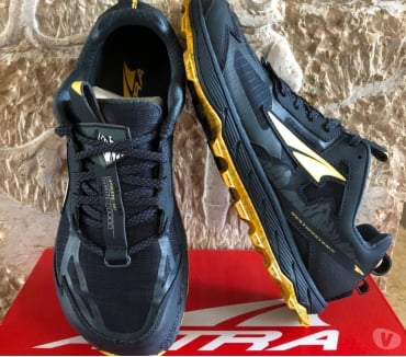Photos Vivastreet Baskets Altra lone peak 4,5 en 41.