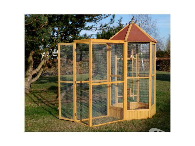 voliere de jardin cage oiseau bois pigeon colombe 13o toulon 83000. Black Bedroom Furniture Sets. Home Design Ideas