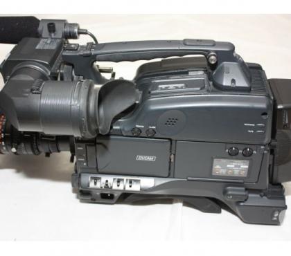Photos Vivastreet SONY DVCAM DSR-400P + FUJINON CANON OU ANGENIEUX: 1600€