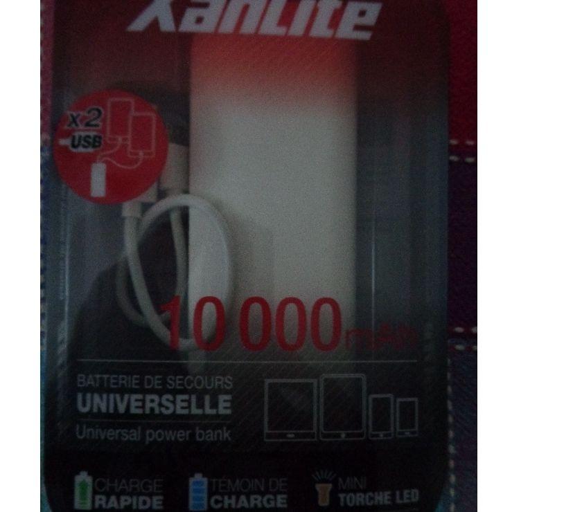 Photos Vivastreet BATTERIE DE SECOURS 10000 MAH avec lampe intégrée