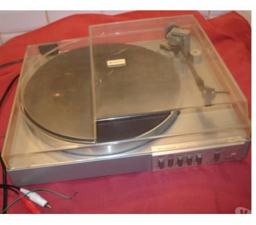 Photos Vivastreet Platine vinyle HITACHI HT-6M vintage