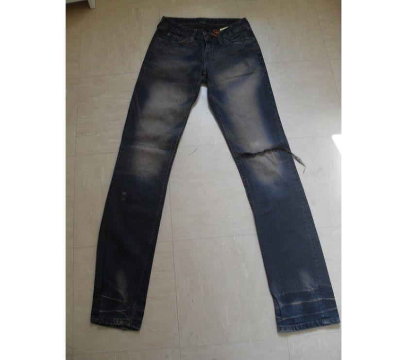 Vêtements occasion Gironde Floirac - 33270 - Photos Vivastreet Jeans Levi's