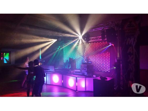 Organisations d'evènements Puy-de-Dôme Besse et St Anastaise - 63610 - Photos Vivastreet disco mobile - dj - podium MAXXIMUM