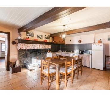 Photos Vivastreet Gîte avec grande cheminée et vues sur les Pyrénées - WIFI