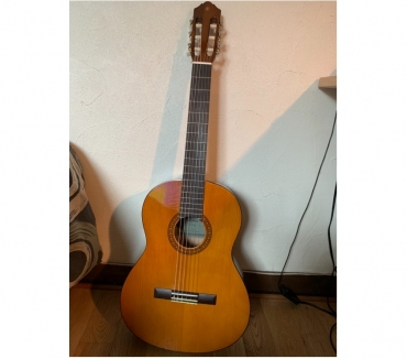Photos Vivastreet Guitare classique Yamaha CS40