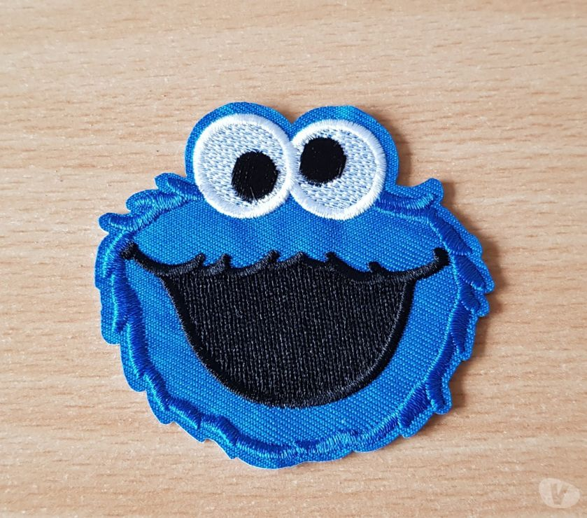Photos Vivastreet ecusson 1 rue sésame macaron le glouton cookie monster n°2
