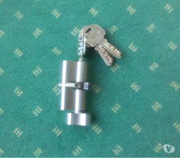 Photos Vivastreet Cylindre Pour Serrure