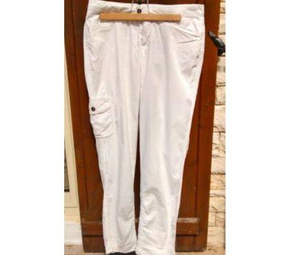Photos Vivastreet Pantalon blanc Miss Captain Taille 38.