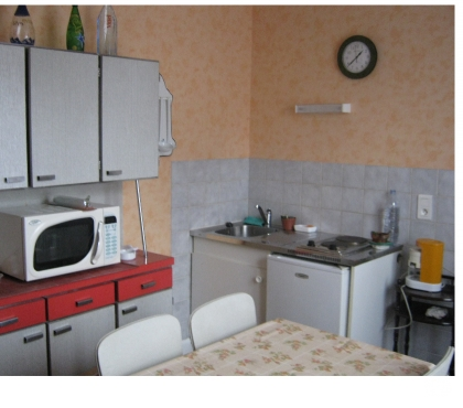 Photos Vivastreet Loue petit appartement pour cure ou stage.