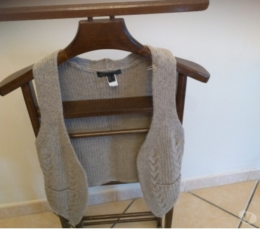 Photos Vivastreet Gilet gris taille s mng collection