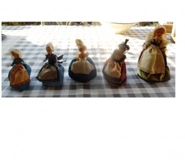 Photos Vivastreet poupées à collectionner 3 de 14 cm, 1 de 18 cm et 1 de 22 cm