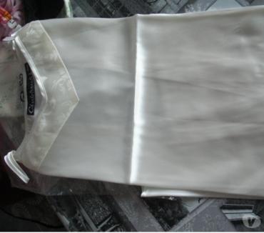 Photos Vivastreet peignoir et sa nuisette beige satillant