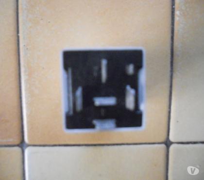 Photos Vivastreet RELAIS BITRON 7700844036 CARREN 3 12v