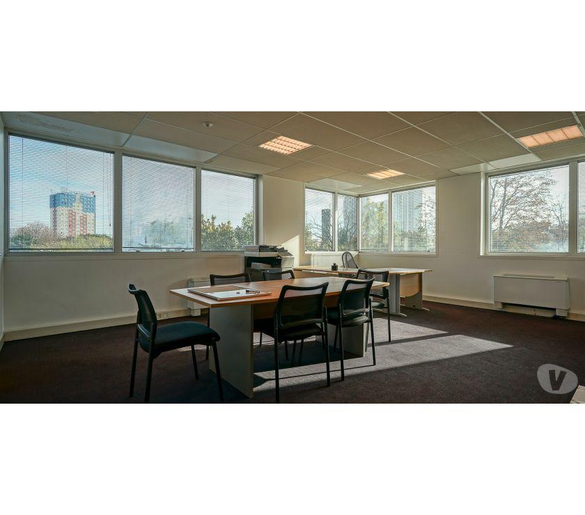 Photos Vivastreet (424) 46 m² de bureaux à PARIS 18e