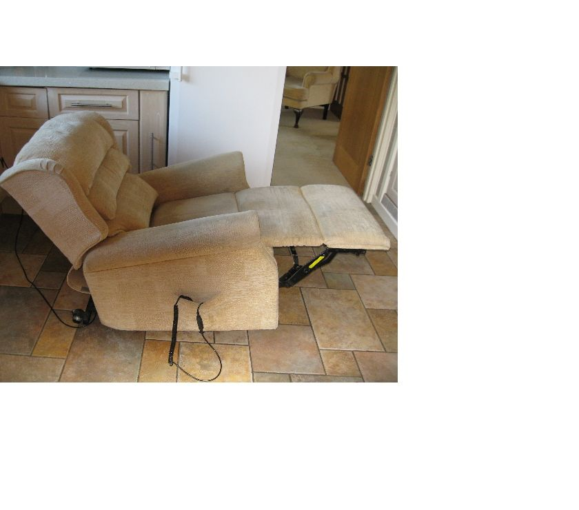 Furniture Essex Chelmsford - Photos for ELECTRIC MOBILITY RECLINER ARMCHAIR.