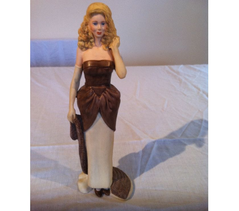 souvenirs East Riding of Yorkshire Hull - Photos for Wedgwood Figurine 'Vanessa'