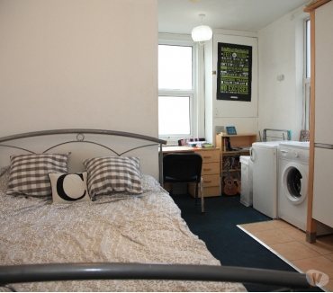 Photos for Double-bed studio flat, Own Exit, Parking, Close to centre