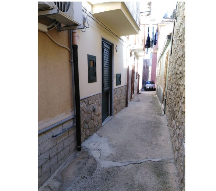 Property for Sale Hertfordshire Barnet - Photos for sh 659 town house, Caccamo, Sicily