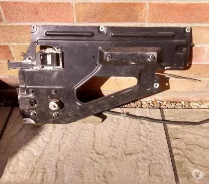 Photos for LANDROVER DEFENDER 110 2ND ROW WINDOW WINDER , ALSO GLASS ,