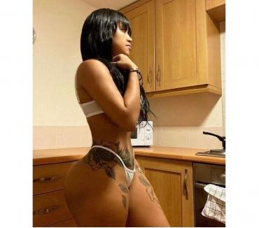 Photos for ❤❤HI GUYS IM VIKY SEXY AND HORNY ITALIAN ❤07471631852