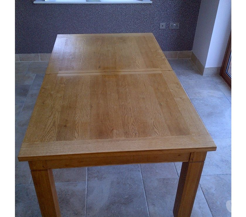 Furniture Essex Brentwood - Photos for OAK DINING TABLE. 1m 80cm EXTENDS to 2m 60cm