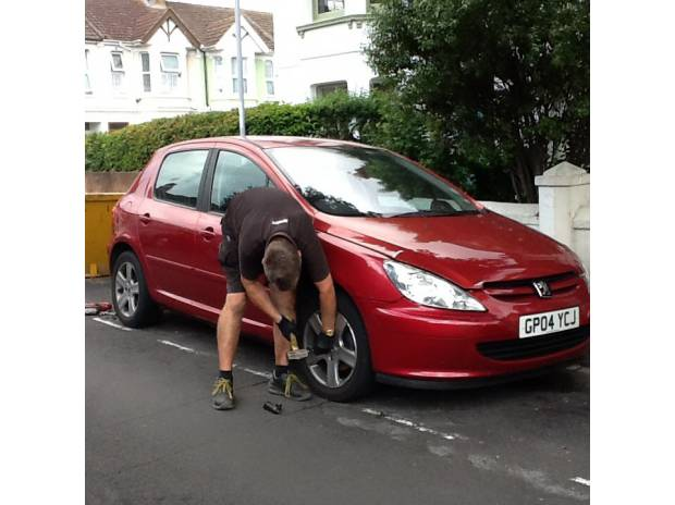 courier services Hampshire Portsmouth - Photos for Wheel lock nut removal, mobile service.
