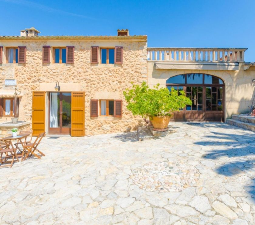 holiday lettings - Photos for FINCA SANT LLORENC DES CARDASSAR FOR 8 – 492 TO 597€ Night