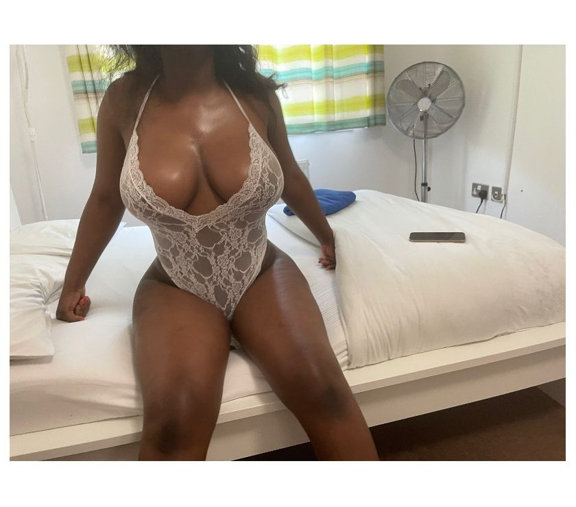Escorts South East London Woolwich - SE18 - Photos for new in town IVY BLUE (07495364463) PARTY GIRL UNLIMITED FUN