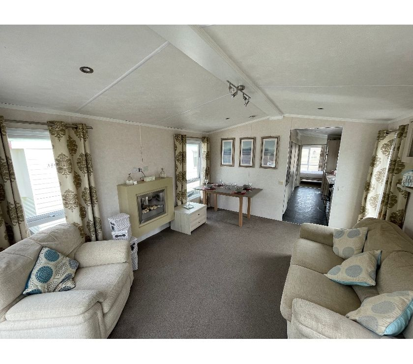 Property for Sale Suffolk Lowestoft - Photos for Rare Disabled Holiday Home - Open 11.5 months - Pet Friendly
