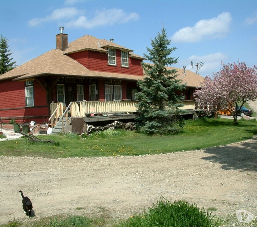 Photos for For sale 115 year old home and 3.27 hectares