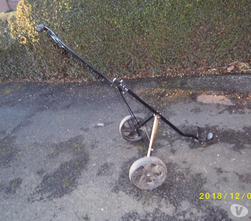 Photos for Dunlop Pull Golf Trolly.