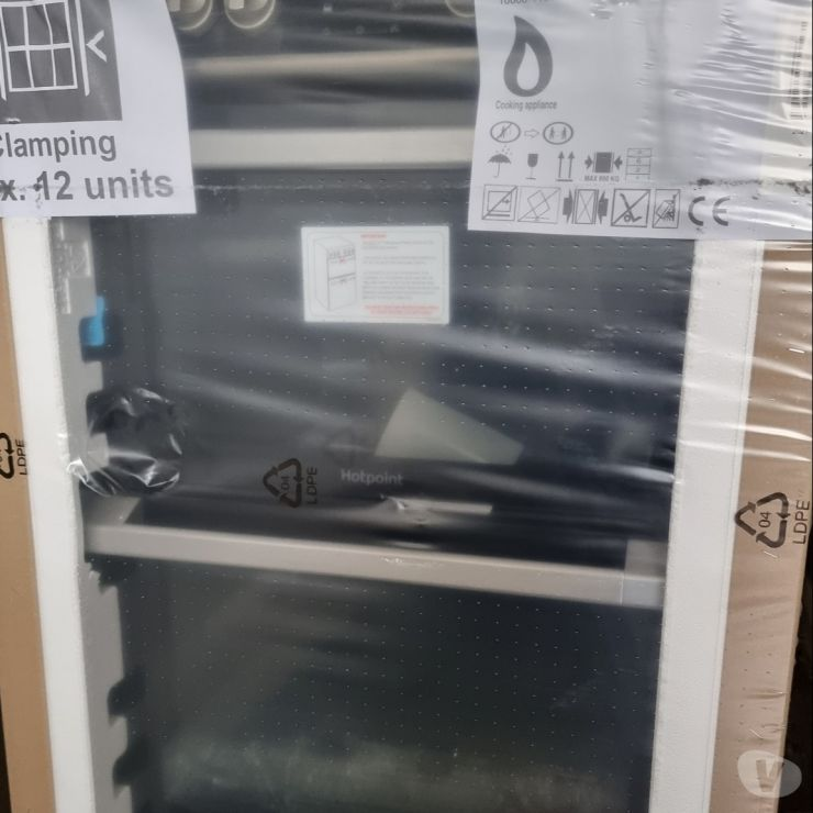 household goods North Yorkshire Batley - Photos for **Still in Box* New Cooker - Hotpoint HDM67V8D2C